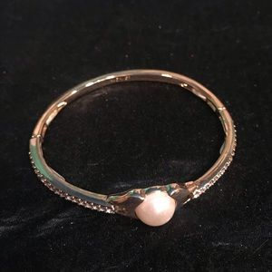 Pearlesque Stretch Bangle Bracelet